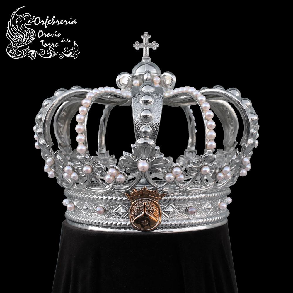 Corona cestillo de 16 cm con imperiales