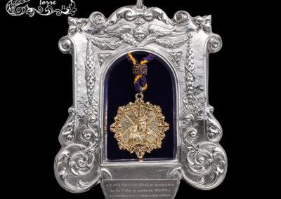 Placa conmemorativa medalla