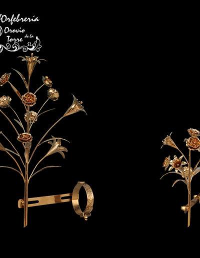 Ramo flores azucenas Virgen-niño