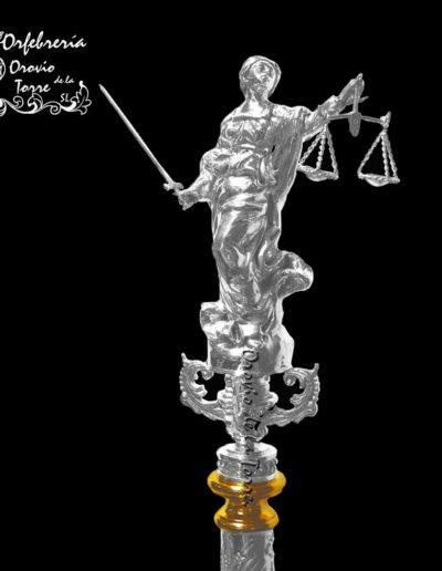 Remate Justicia mástil